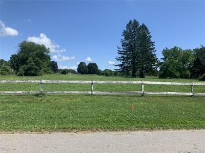 125 MANTUP RD, Putnam, CT 06260 - Photo 2