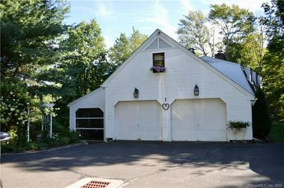 1154 OLD COACH XING, Suffield, CT 06078 - Photo 2