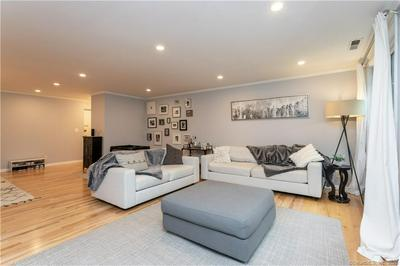 140 FIELD POINT RD UNIT 8, Greenwich, CT 06830 - Photo 1