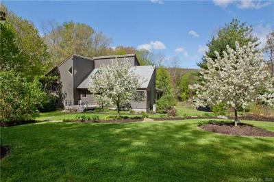 289 OLD FARMS RD, Simsbury, CT 06070 - Photo 1