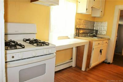 79 ENGLEWOOD AVE, Bloomfield, CT 06002 - Photo 2