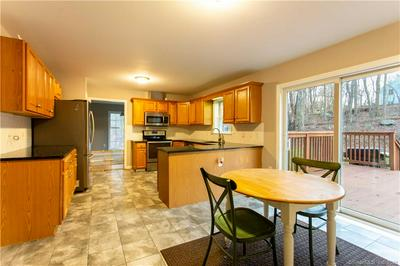 1 COUNTRY GARDEN CT, Plymouth, CT 06786 - Photo 2