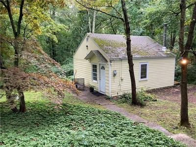61 OLD STAGECOACH RD, Redding, CT 06896 - Photo 2