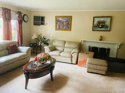 17 CLOVER LN, Bloomfield, CT 06002 - Photo 2