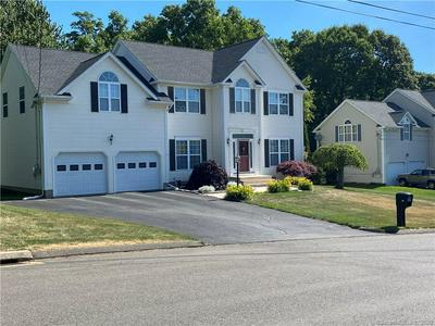 69 FRANKLIN AVE, Derby, CT 06418 - Photo 2
