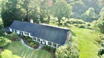 4 APPLE LN, Simsbury, CT 06070 - Photo 1