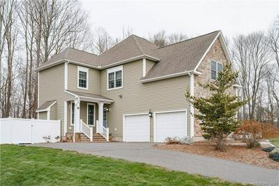 29 PARSONS CT, Manchester, CT 06040 - Photo 2