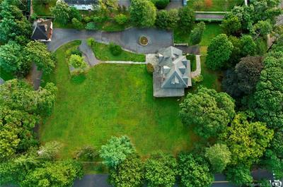 5 BROOKRIDGE DR, Greenwich, CT 06830 - Photo 2