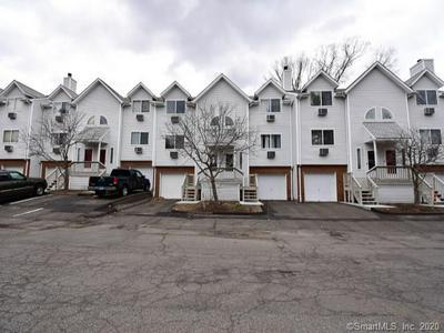 925 ORONOKE RD UNIT 27E, WATERBURY, CT 06708 - Photo 1