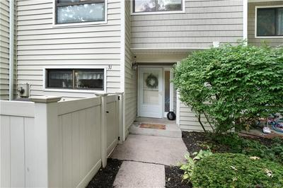 31 CURRIER PL # 31, Cheshire, CT 06410 - Photo 2
