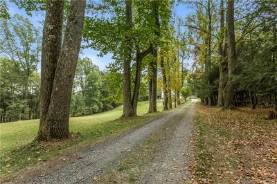 52 WALNUT TREE HILL RD, Newtown, CT 06482 - Photo 2