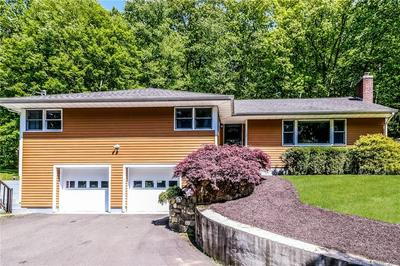1 BLUEBERRY HILL RD, Redding, CT 06896 - Photo 1