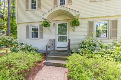 86 LAWRENCE AVE, Avon, CT 06001 - Photo 2