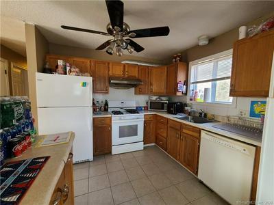135 COTTONWOOD LN, Montville, CT 06382 - Photo 2