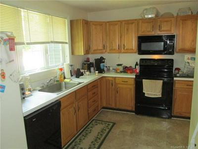 2 FORT GRISWOLD LN # 2, Mansfield, CT 06250 - Photo 2
