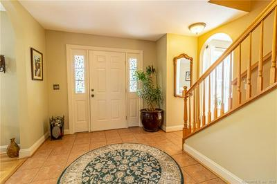 759 VAUXHALL STREET EXT, Waterford, CT 06385 - Photo 2
