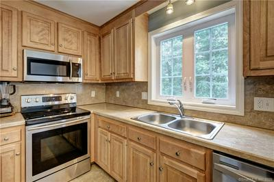46 OVERLOOK TER, Plymouth, CT 06786 - Photo 2