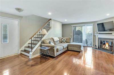 4 MEETING HOUSE RD UNIT B, Stratford, CT 06614 - Photo 2