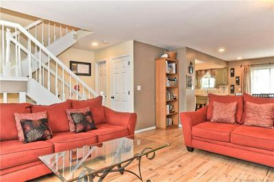 33 COLONIAL RD APT 11, Stamford, CT 06906 - Photo 2