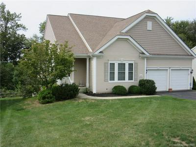 537 PUTTING GREEN LN # 537, Oxford, CT 06478 - Photo 2