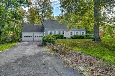96 W CROSS RD, New Canaan, CT 06840 - Photo 2