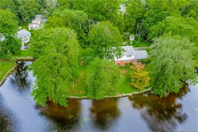 100 FALL RD, Guilford, CT 06437 - Photo 2