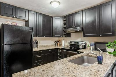 22 NATUREVIEW TRL # 22, Bethel, CT 06801 - Photo 2
