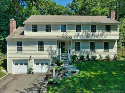 27 COUNTRY CLUB RD, Darien, CT 06820 - Photo 1