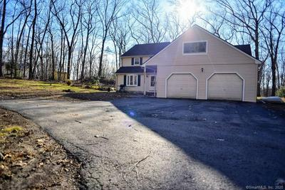 22 KETTLETOWN WOODS RD, SOUTHBURY, CT 06488 - Photo 2
