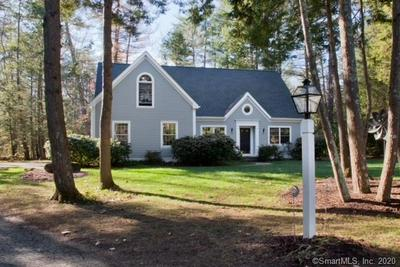 5 WOODLEIGH PL, Simsbury, CT 06089 - Photo 2