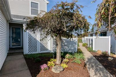 175 S END RD UNIT E31, East Haven, CT 06512 - Photo 1