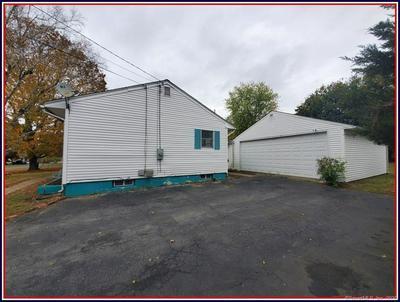 23 MCINTOSH AVE, Montville, CT 06382 - Photo 2