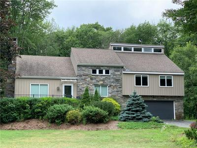 105 FAIRHAVEN DR, Middlebury, CT 06762 - Photo 1