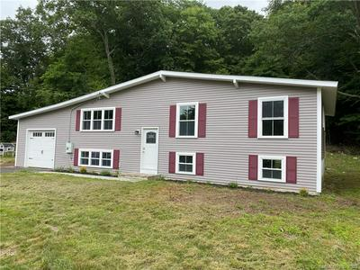 60 CARRIAGE HILL DR, East Lyme, CT 06357 - Photo 2