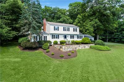33 INDIAN CAVE RD, Ridgefield, CT 06877 - Photo 2