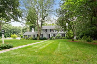 5 HUMMINGBIRD LN, Darien, CT 06820 - Photo 1