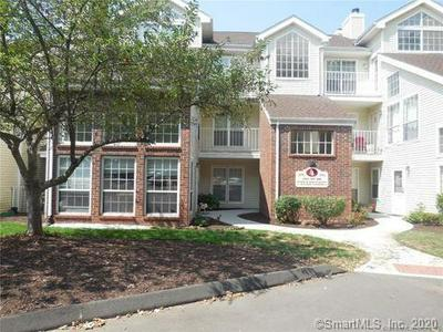 163 CARRIAGE CROSSING LN # 163, Middletown, CT 06457 - Photo 1
