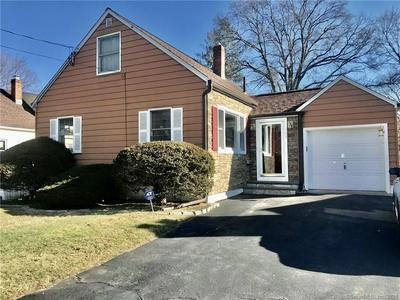 390 FAIRFAX RD, Bridgeport, CT 06610 - Photo 2