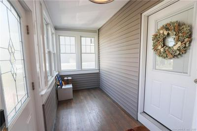 56 TOWNSEND AVE, New Haven, CT 06512 - Photo 2