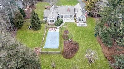 8 HOMEWOOD LN, Darien, CT 06820 - Photo 2
