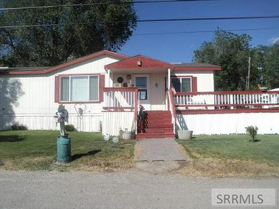 319 N EAST ST, Arco, ID 83213 - Photo 1