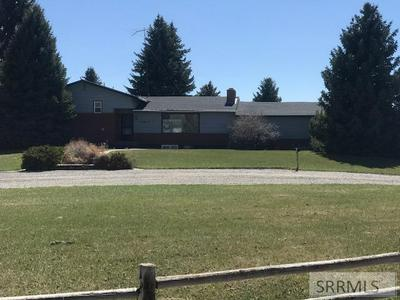 415 SUNSET DR, Arco, ID 83213 - Photo 1