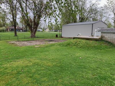 609 W THOROUGHFARE ST, Seymour, MO 65746 - Photo 2