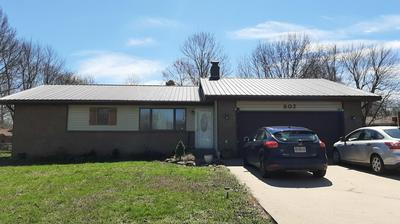 802 E ELM ST, AURORA, MO 65605 - Photo 1