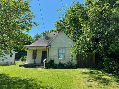 2118 W PHELPS ST, Springfield, MO 65802 - Photo 2