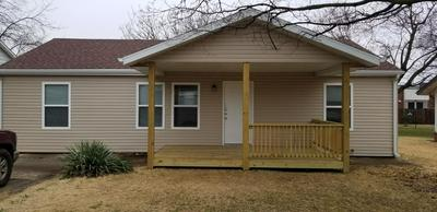 1119 S PARK AVE, AURORA, MO 65605 - Photo 2