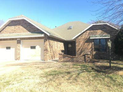 2006 S LANCASTER AVE, SPRINGFIELD, MO 65807 - Photo 1