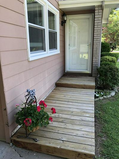 704 S EASTGATE AVE, Springfield, MO 65809 - Photo 2