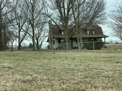950 S WESTERN, MARIONVILLE, MO 65705 - Photo 2