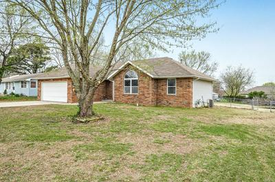 315 LITTLE AVE, CLEVER, MO 65631 - Photo 2